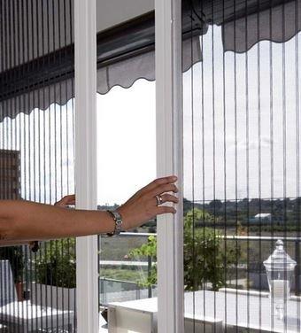 Tại chúng ta nên sử dụng cửa lưới chống muỗi ở ban công?